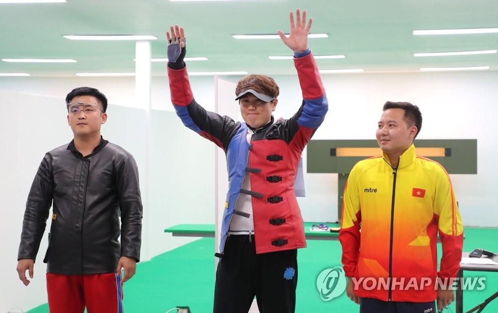亚运射击男子10米移动靶韩国郑有真夺金