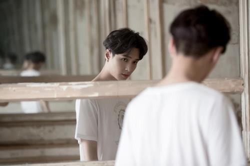 EXO成员LAY(SM娱乐提供)