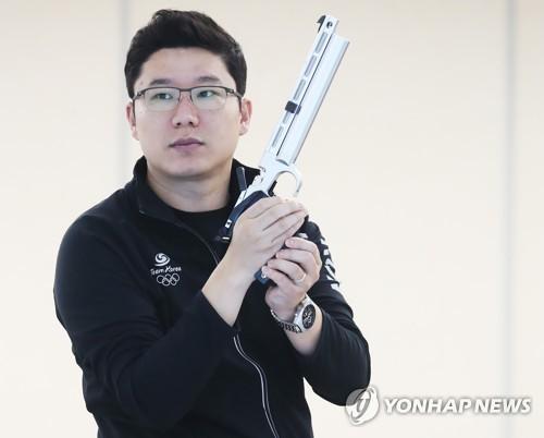 资料图片:韩国射击名将秦钟午(韩联社)