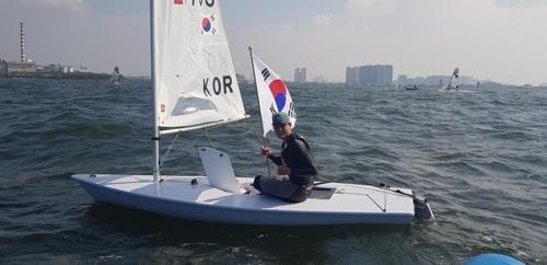 亚运帆船男子激光级韩国河知民夺金