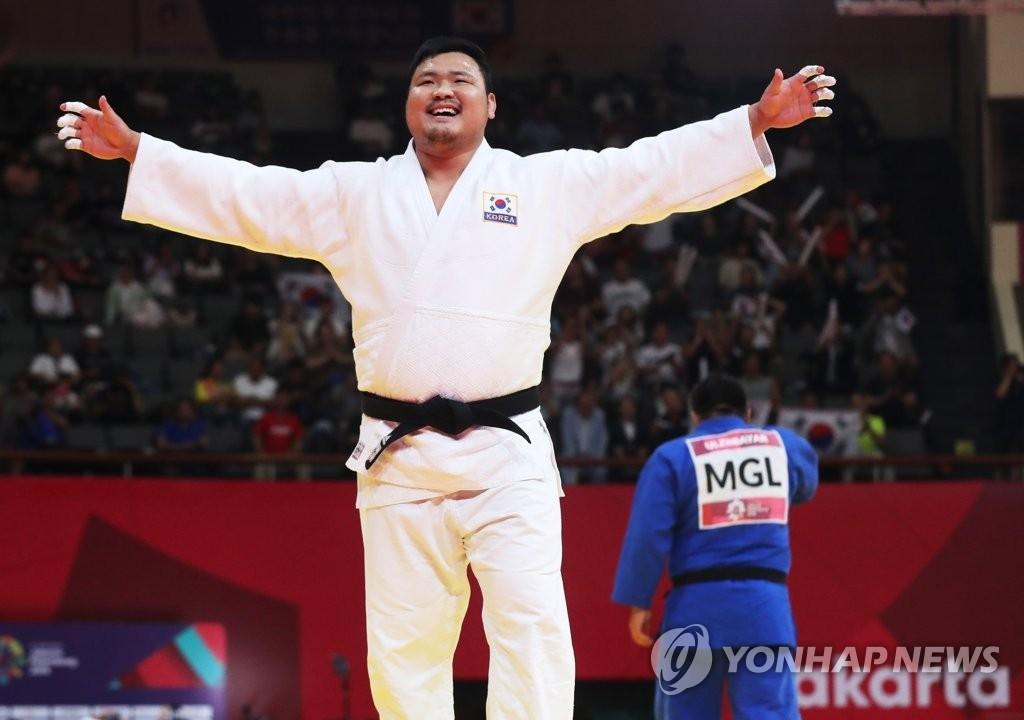 亚运男子100公斤柔道赛韩国金成民夺冠