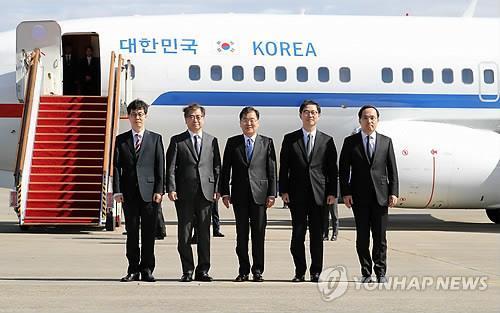 详讯:韩国特使团乘机启程赴朝