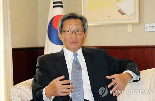 韩派使节团参加前联合国秘书长安南葬礼