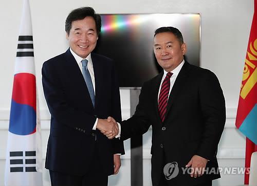 韩总理在俄会晤蒙古国总统