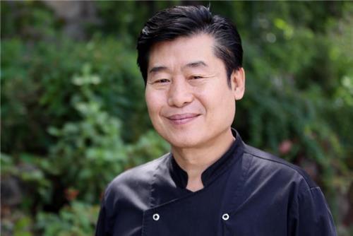 韩国名厨李连福(韩联社)