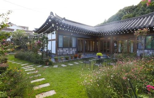 红遍社交网站的韩屋庭园(韩联社记者成演在)
