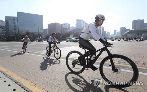 调查:韩缩短劳动时间后半数上班族业余时间增多