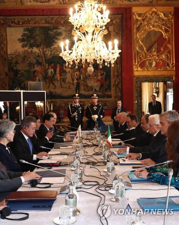 文在寅会晤意大利总统马塔雷拉