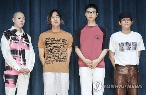 乐队HYUKOH年末在首尔办演唱会
