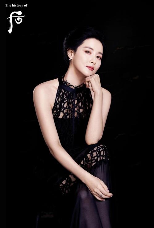 """李英爱续签韩妆品牌""""后""""代言合同"""