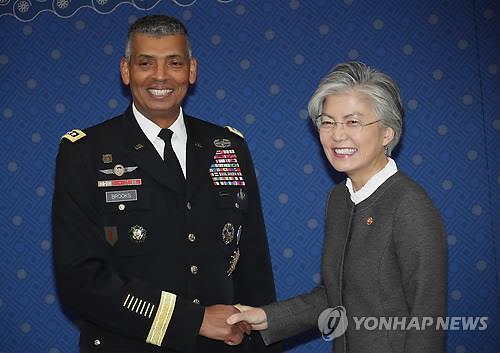 韩外长感谢驻韩美军司令为发展同盟关系做贡献