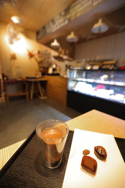这里的巧克力热饮味道果然与众不同。(韩联社记者成演在)