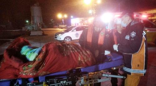 韩海警紧急救助一名中国船员就医