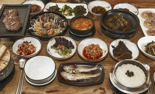 一桌丰盛的饭菜(韩联社)