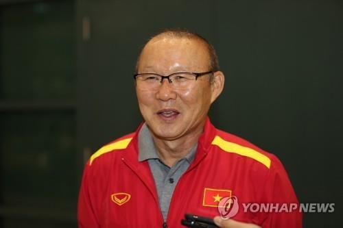 越南男足韩籍主教练朴恒绪续写神话