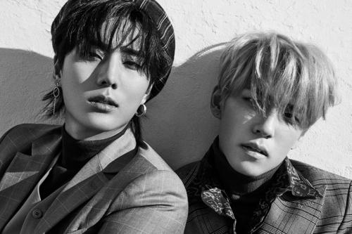 成员姜永晛和金元弼(JYP娱乐供图)