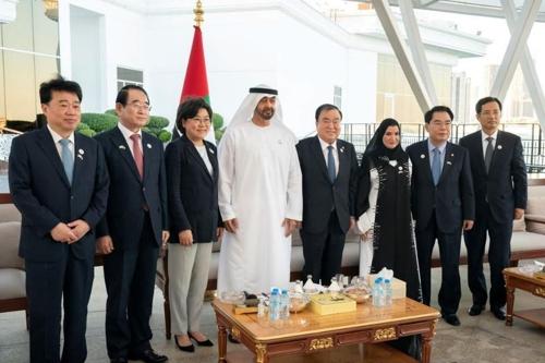 韩国国会议长会晤阿联酋王储共商交流合作