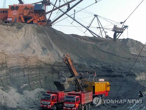 图为朝鲜金野青年煤矿。图片仅限韩国国内使用,严禁转载复制。(韩联社/朝中社)