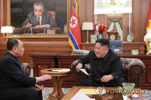 朝媒:金正恩听取访美代表团汇报