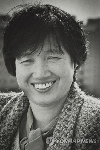 资料图片:已故韩国作家朴婉绪 (韩联社)