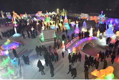 朝鲜办花展冰节为金正日诞辰造势