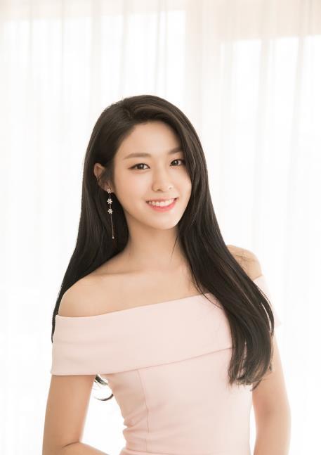 雪炫(FNC娱乐供图)