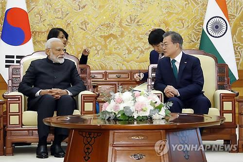 韩印领导人会见记者:两国将深化国防军工合作