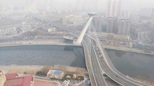 天津主要公路单向封路(韩联社/微博截图)