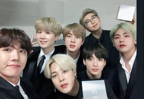 BTS荣获韩国大众音乐奖年度音乐人奖