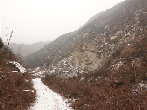"""曾作为""""老鹰计划""""野外训练场的终南山峡谷。(韩联社)"""
