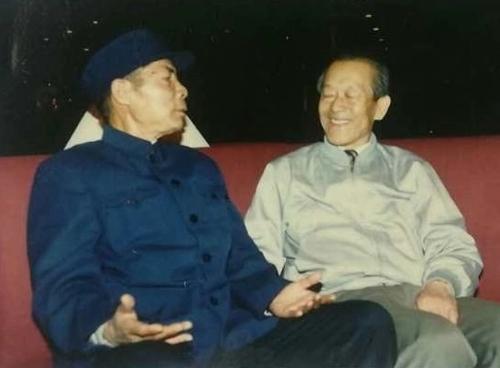 苏景和和赵一文(右)合影。(苏景和供图)