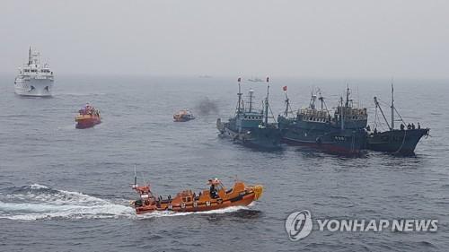 韩国海警加大力度打击中国渔船非法捕捞
