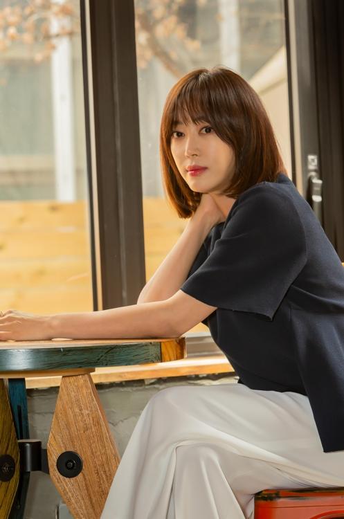 姜艺媛谈新片《监视》:想塑造自主坚强女性形象