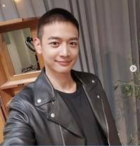 SHINee崔珉豪和INFINITE张东雨今入伍