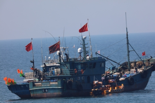 韩海警扣押5艘非法捕捞中国渔船