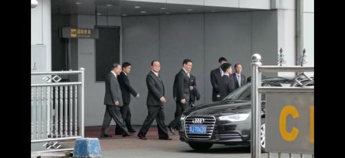 朝鲜对外经济相金英才一行抵达北京。(韩联社)