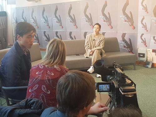 当时时间4月27日,在意大利,演员全度妍接受媒体采访。(韩联社)