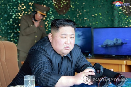 详讯:金正恩昨参观指导火力打击训练