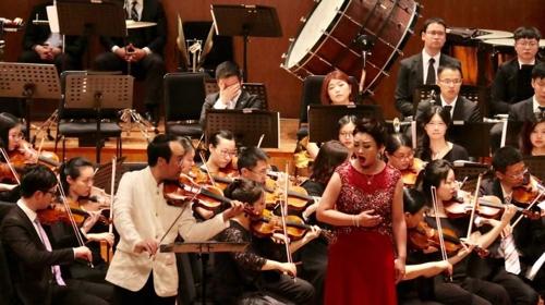 韩朝音乐家在沪共谱和平乐章