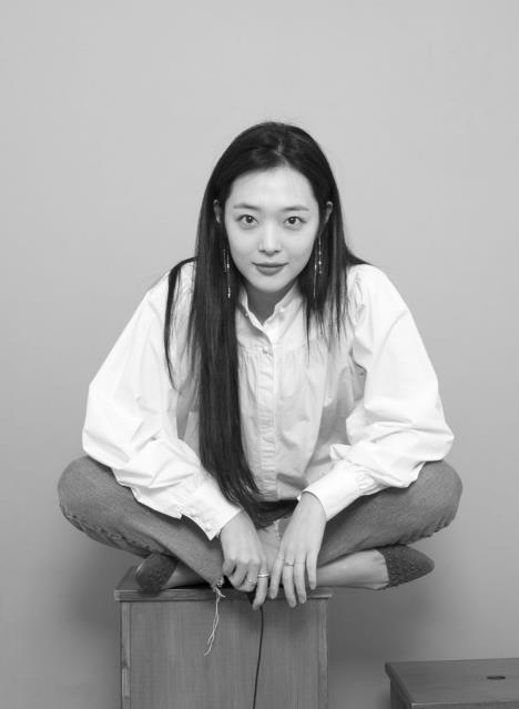 雪莉加盟韩综《黑帖之夜》