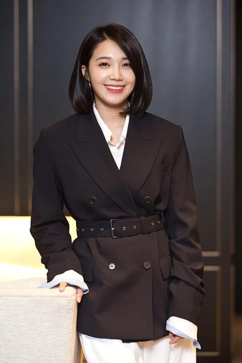郑恩地谈新片:担心抹黑爱豆演员而更努力