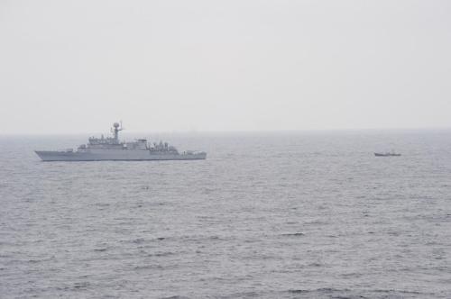 获救的朝鲜渔船 韩国联合参谋本部供图(图片严禁转载复制)