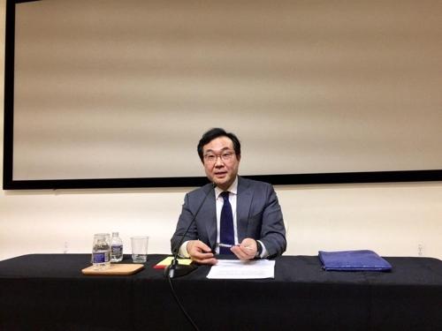 当地时间6月20日,在华盛顿,李度勋与韩国特派记者座谈。 韩联社