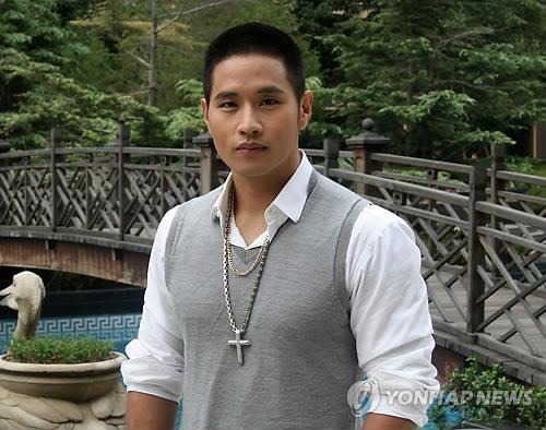 韩裔歌手刘承俊审签诉讼结果下周出炉
