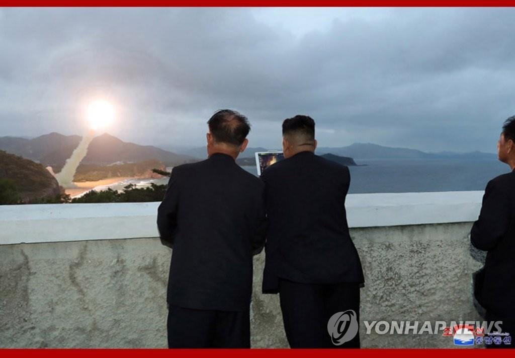 韩青瓦台冷静面对朝鲜施压继续促进对话
