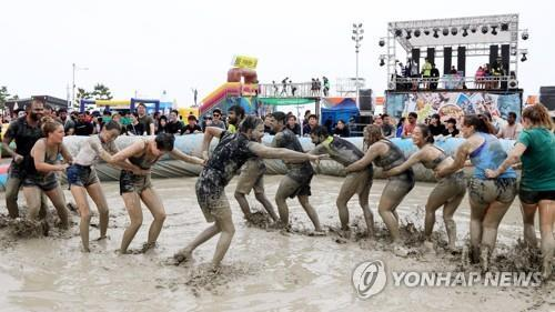 2019保宁泥浆节接待外国游客同比增3%
