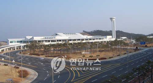 资料图片:襄阳国际机场全景 韩联社