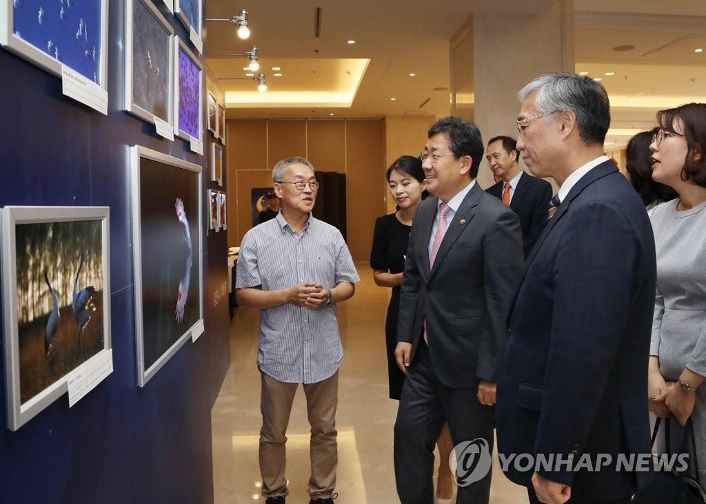 第四届中韩文化名人之夜暨摄影展在首尔举行