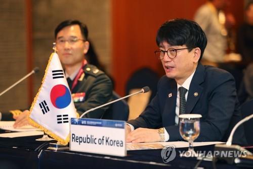 9月4日下午,在首尔市中区乐天酒店,韩国国防部次官朴宰民出席2019首尔安全对话会韩国-中亚副防长会议并发言。 韩联社