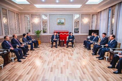 资料图片:朝鲜举行庆祝新中国成立70周年招待会。 韩联社/中国驻朝鲜大使馆官网截图(图片严禁转载复制)